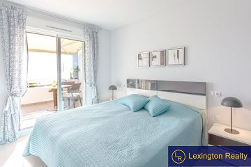 Beautiful sea view apartment for sale in Lexington Realty