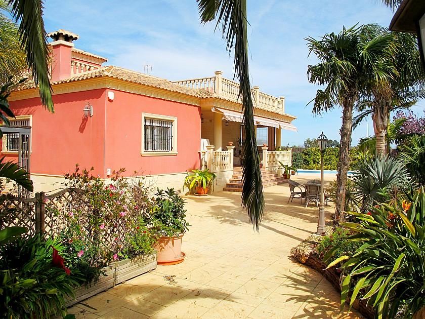 Luxury villa in Perlata Elche
