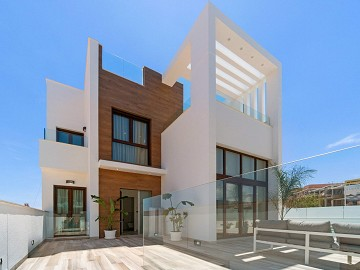Highest Quality Villas in Torrevieja in Lexington Realty