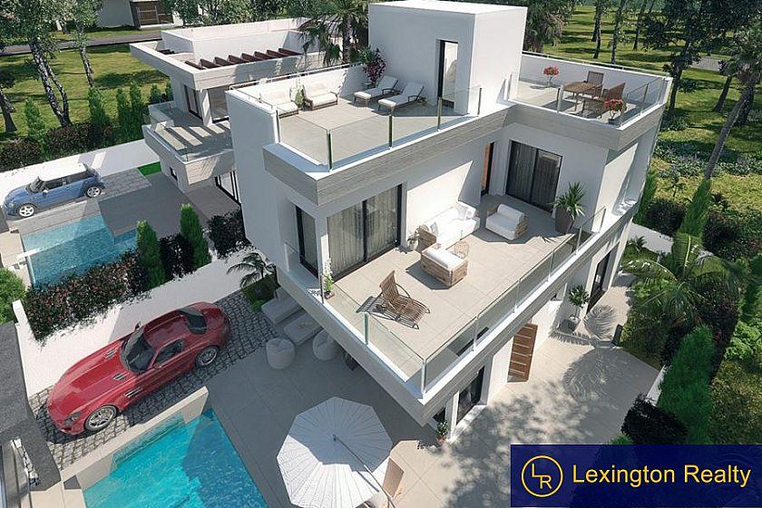 Fabulous three bedroom villas in Quesada