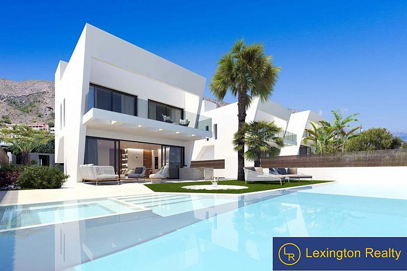 Villas with sea views and infinity pool in Finestrat for sale
