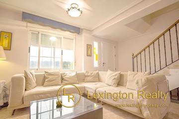 Nice townhouse close to the beach for sale in Santa Pola in Lexington Realty