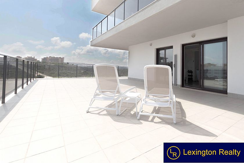 Luxury Apartment with large terrace
